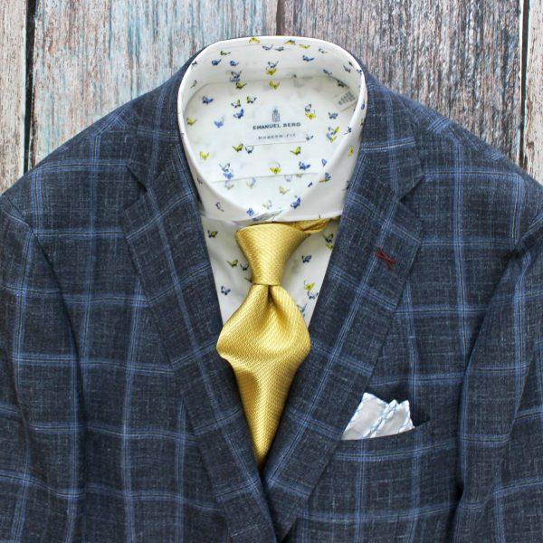 249b542dd795 Yellow tie by Robert Talbott ~ Black single piece leather shoe by Magnanni  ~ Skull and crossbones socks by Dion Neckwear Ltd.
